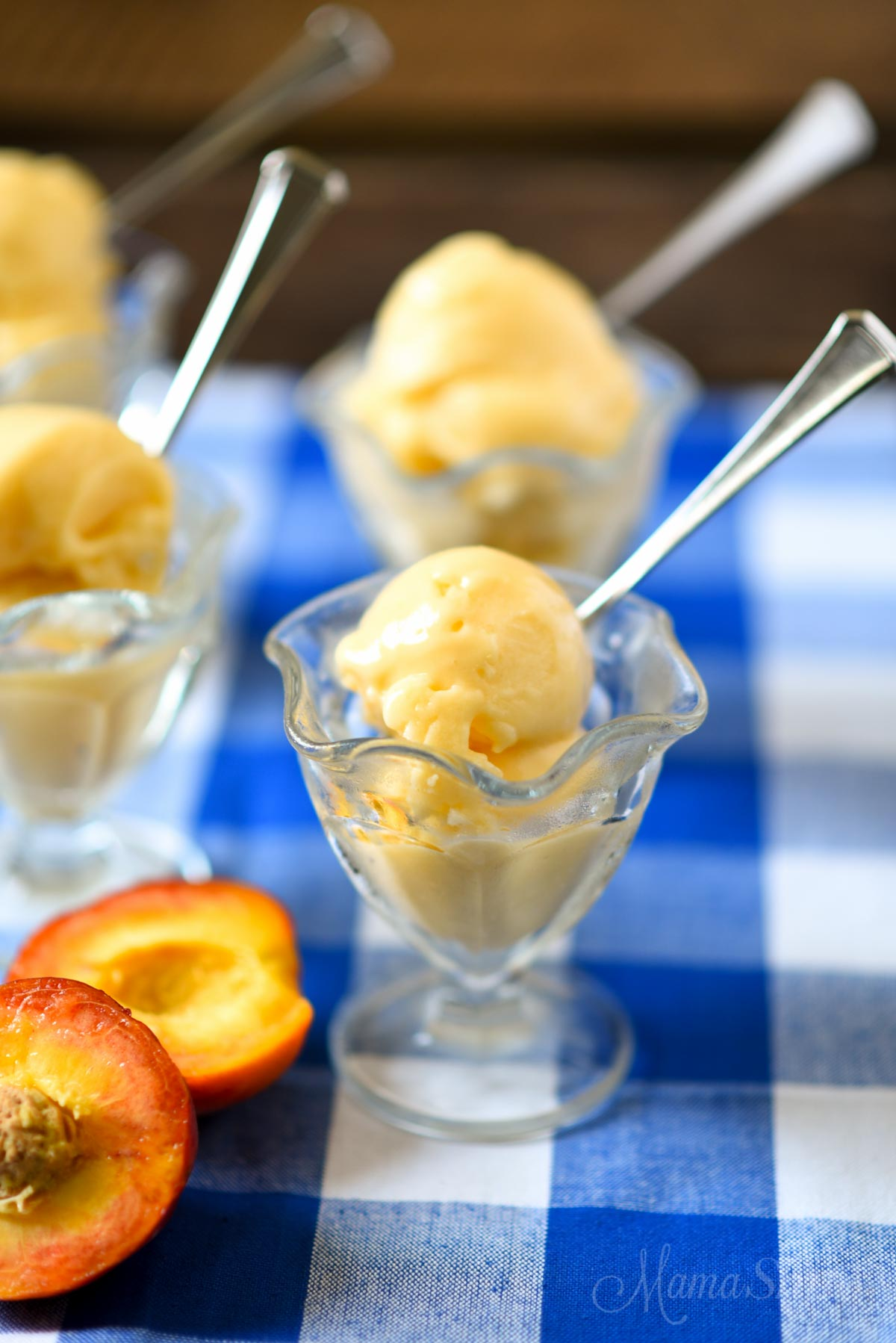 Dairy-free Peach Frozen Yogurt - Sugar-Free, Low-Carb
