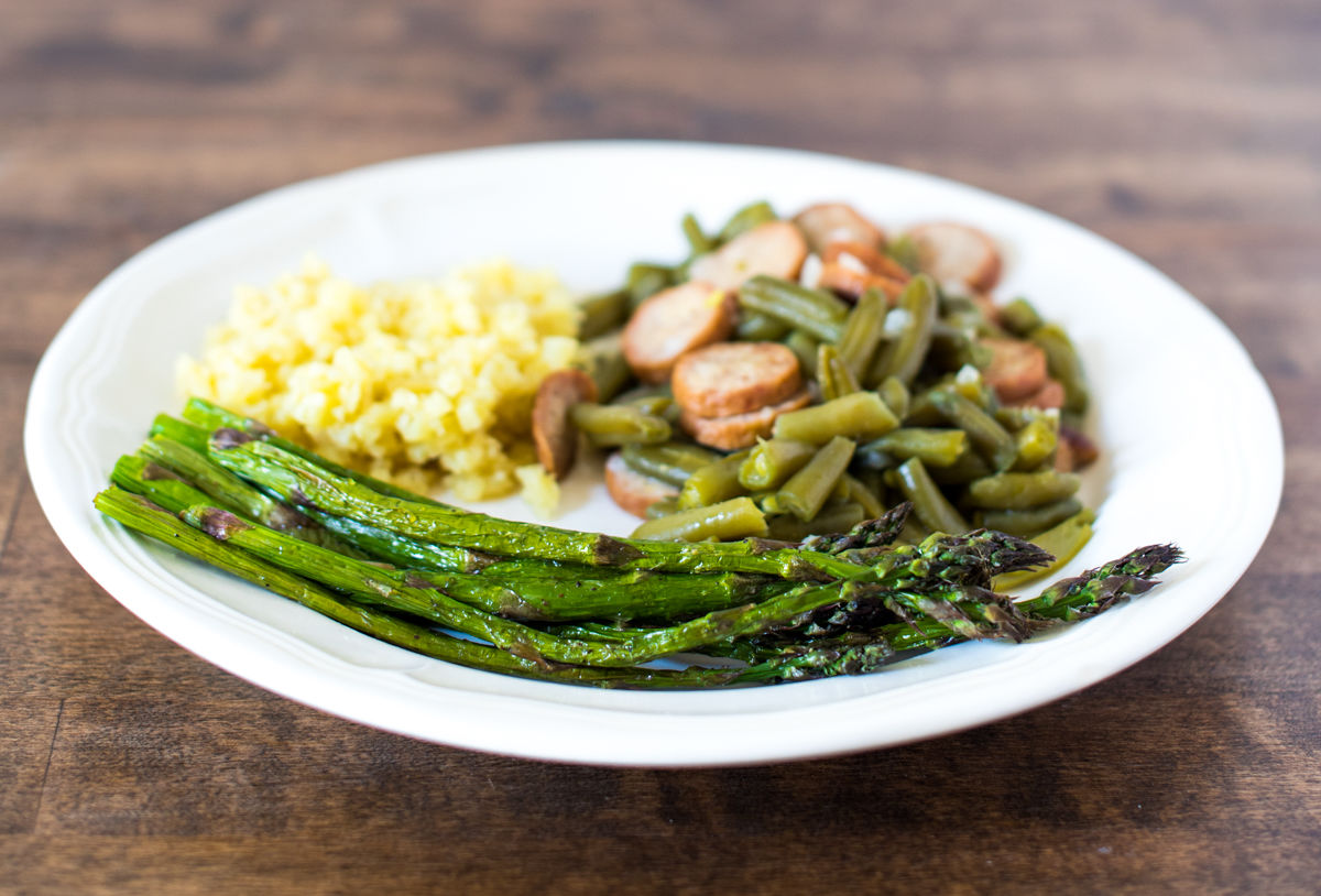 Air-fried asparagus with beans and cauliflower.