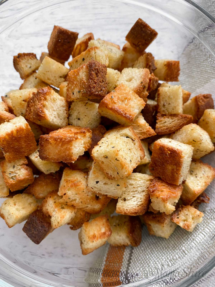 Easy to make gluten-free croutons.