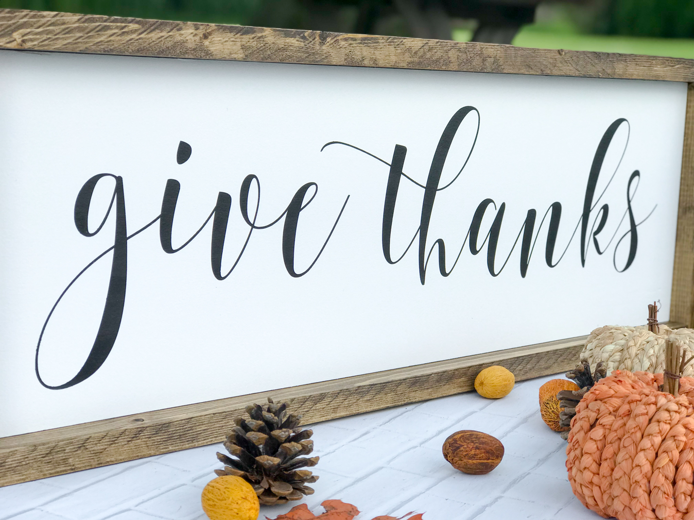 Give Thanks farmhouse fall sign.