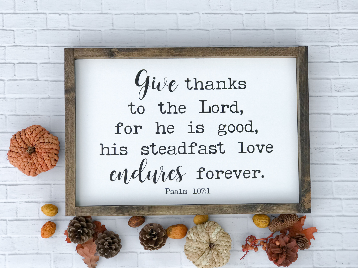 Farmhouse Fall Sign that is perfect for fall and Thanksgiving!!
