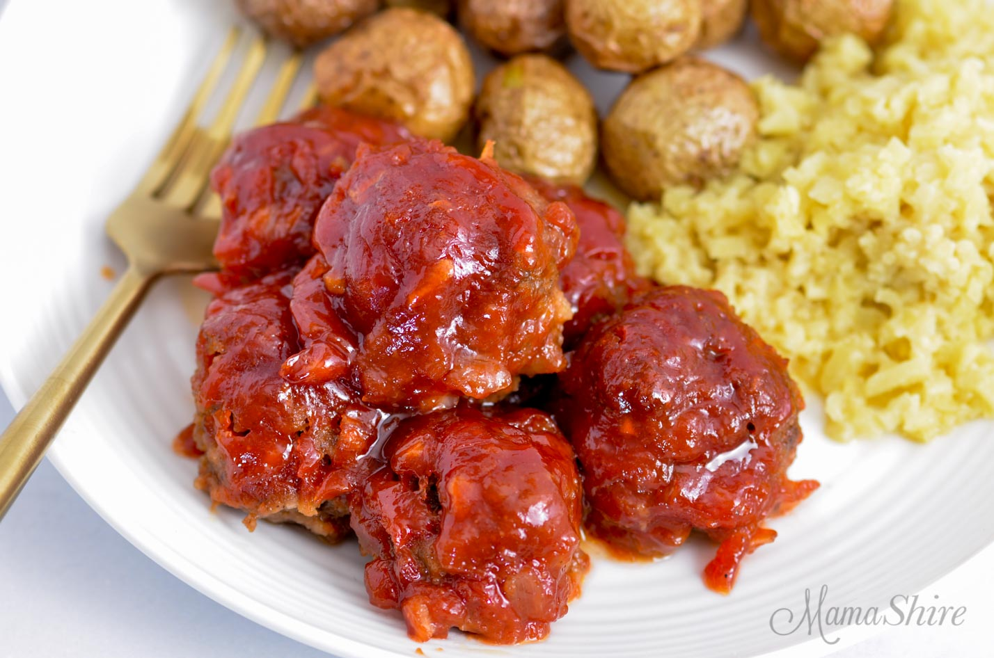 A plate with gluten-free appetizer meatballs.