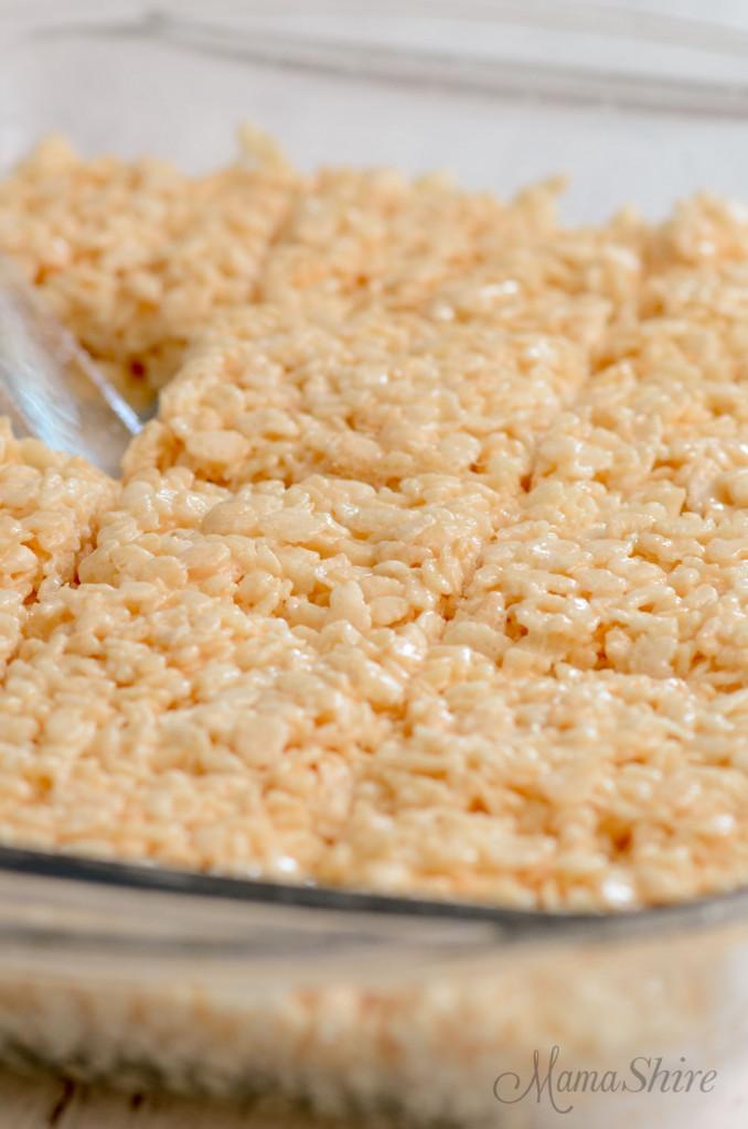 Pan full of gluten-free rice krispy treats.