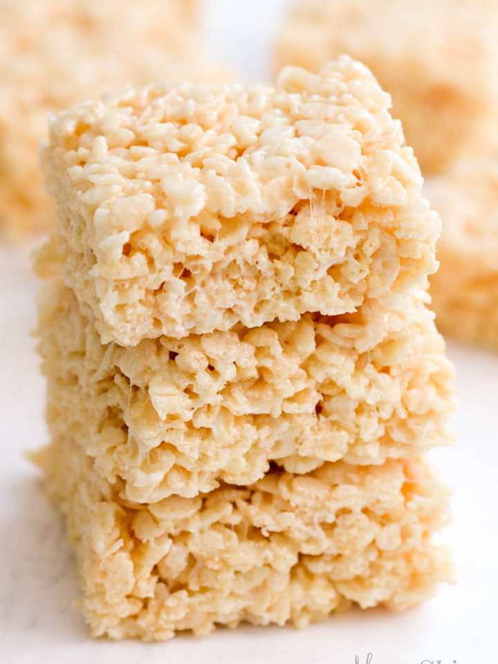 A stack of gluten-free rice krispies.