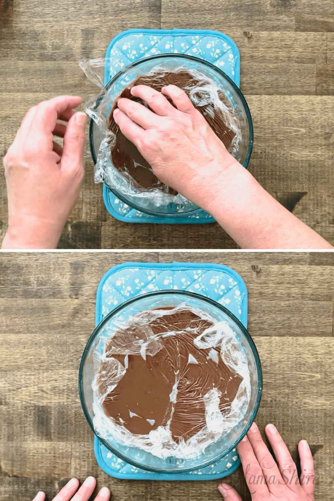 How to put plastic wrap on chocolate pudding.