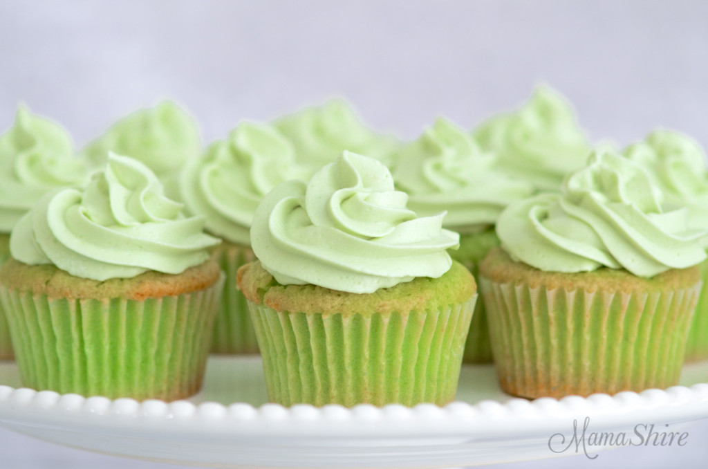 Green gluten-free cupcakes made with lime Jello.