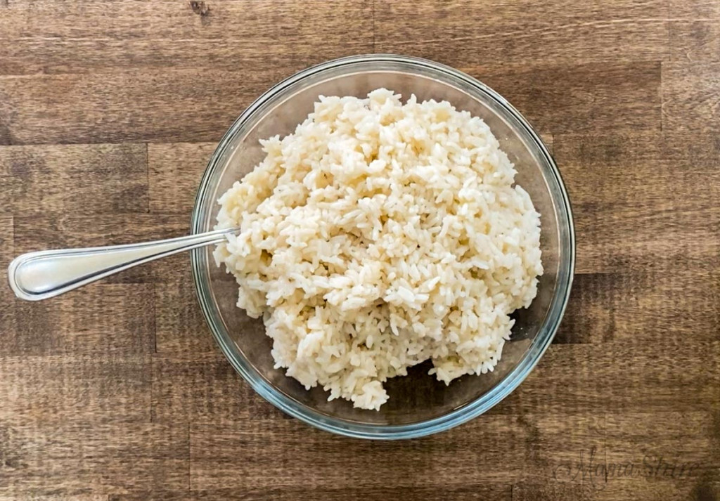 A bowl of sweet white rice.