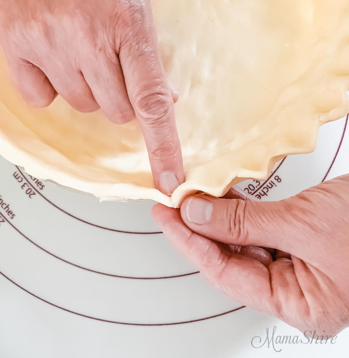 Pie crust edging