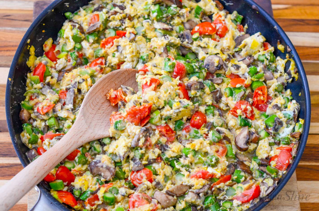 Scrambled eggs with veggies all cooked and ready to eat.